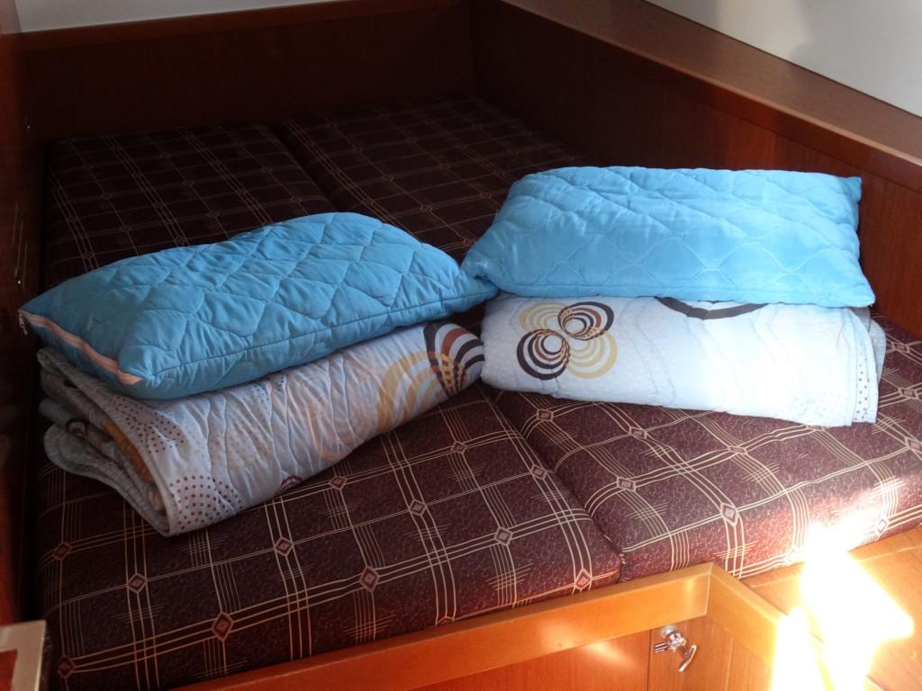 27 linen towels