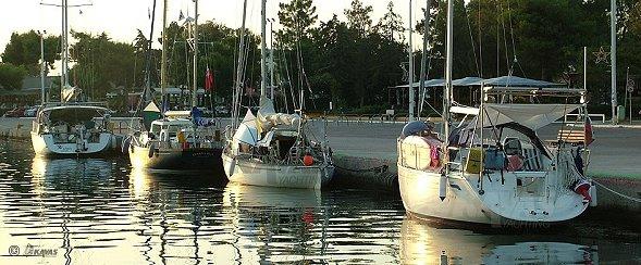boat charter Messologhi